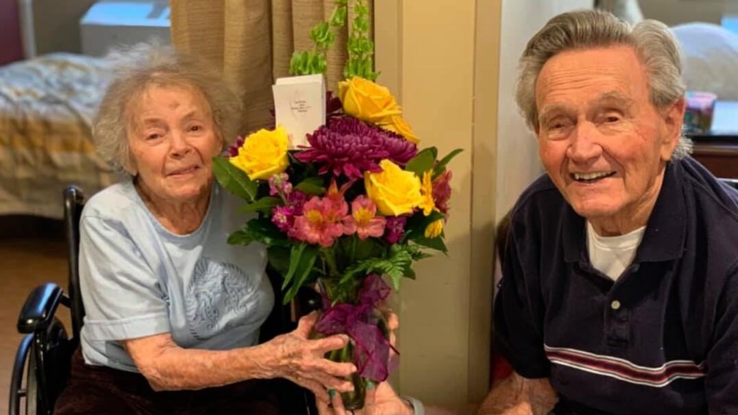 Parę 90-latków rozłączył koronawirus. Wrócili do siebie po pięciu tygodniach