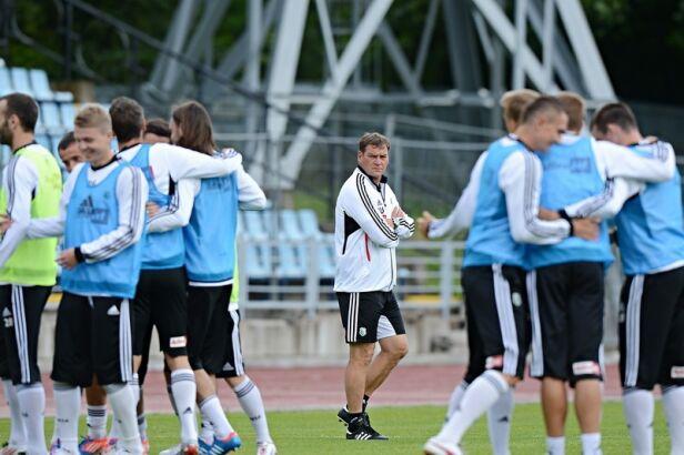 Legia trenuje na Łotwie Mateusz Kostrzewa, legia.com