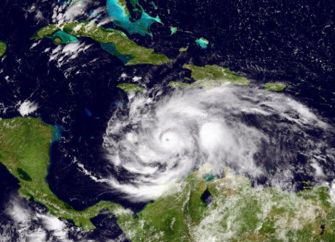 Zdjęcie satelitarne huraganu Matthew