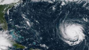 Huragan Florence coraz groźniejszy. Ogłoszono stan wyjątkowy