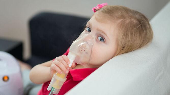 Trujący ruch uliczny przyczyną astmy u dzieci